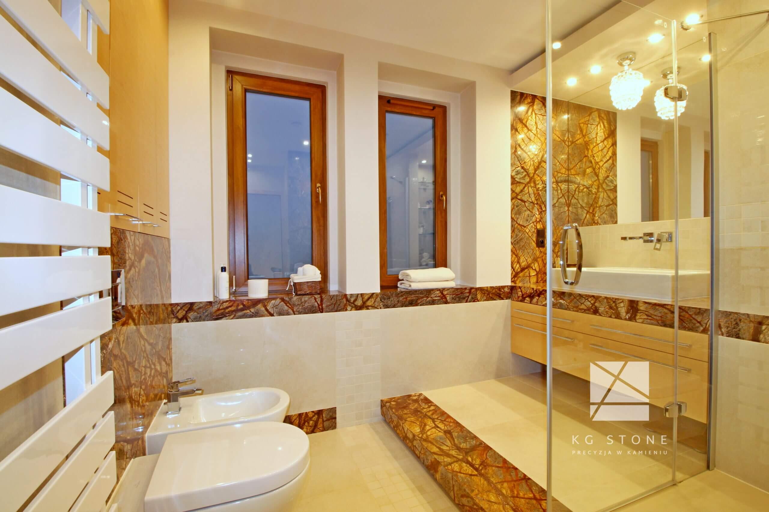 elementy łazienkowe z marmuru Forest Brown