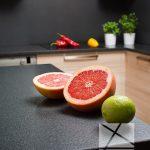 owoce na blacie