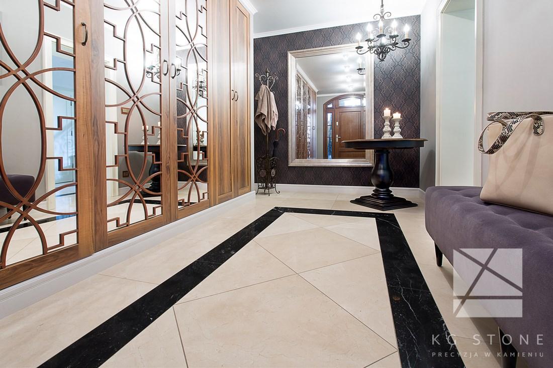 podłoga marmurowa z kamienia naturalnego